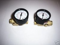 2 AIR PRESSURE REGULATORS WITH GAUGE 160PSI MAX